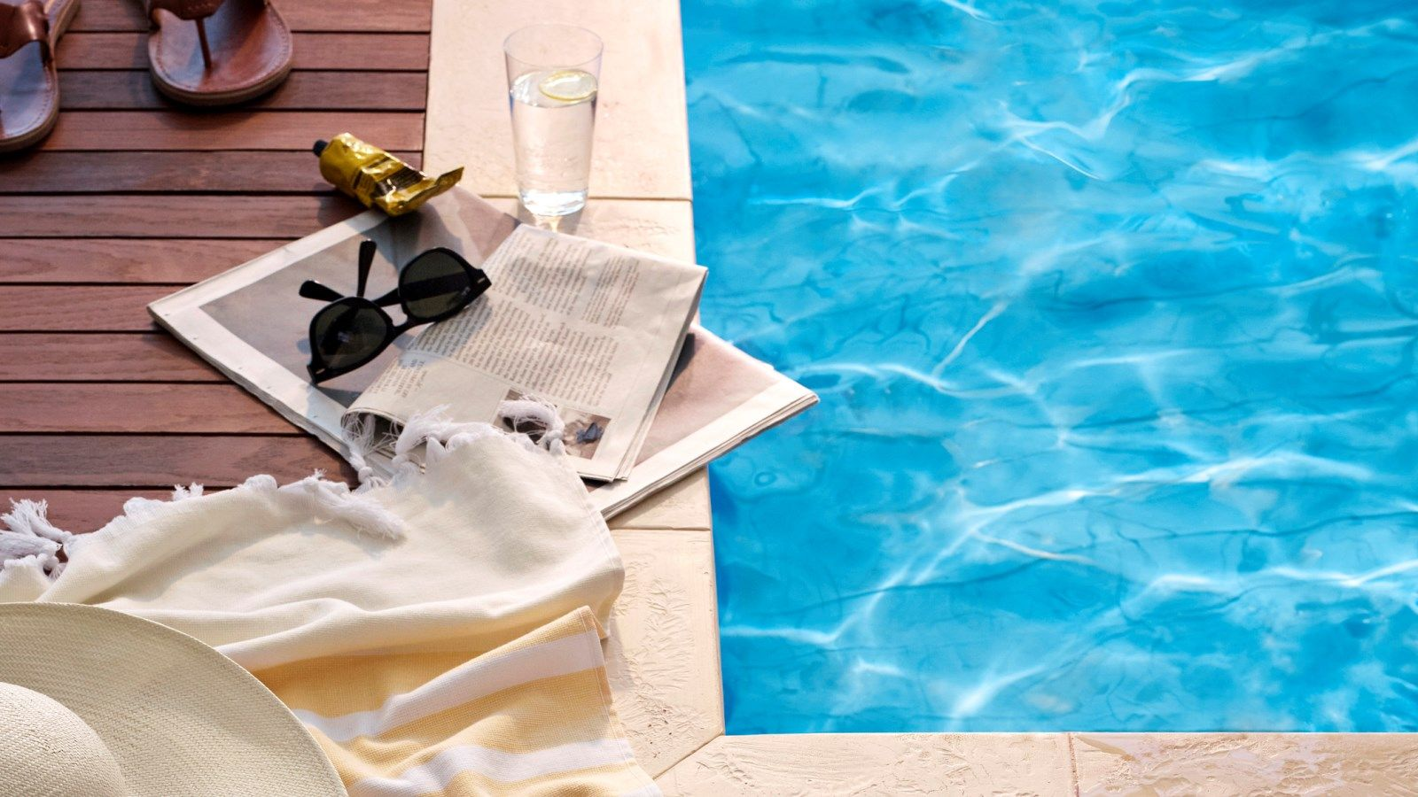Purchase a day pass package and enjoy use of our refreshing Vancouver hotel pool.