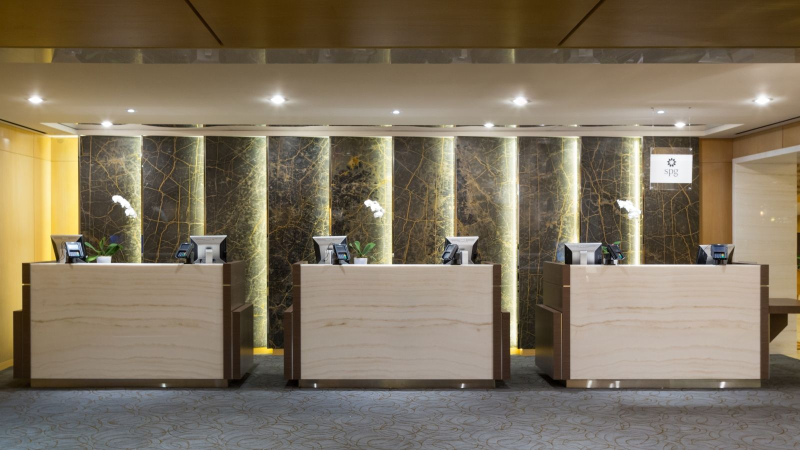 The Westin Bayshore, Vancouver - Front Desk